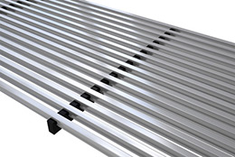 Linear bar grille dedicated to trench heaters and climaconvectors